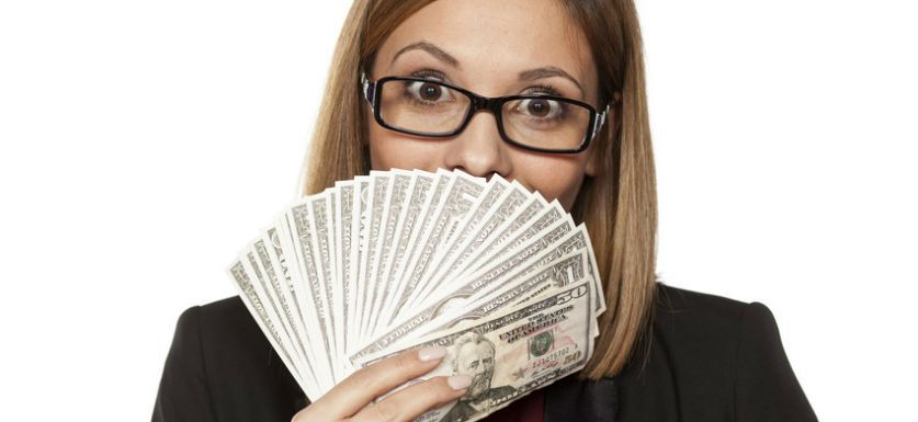 Is it Legal to Pay Employees in Cash?